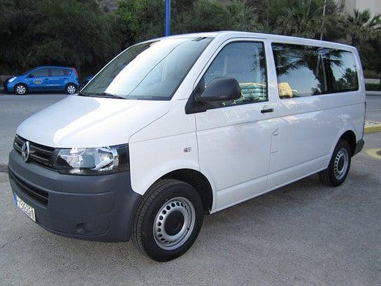 klasa-e-jeden-kreta-vw-transporter-t-piec-minibus